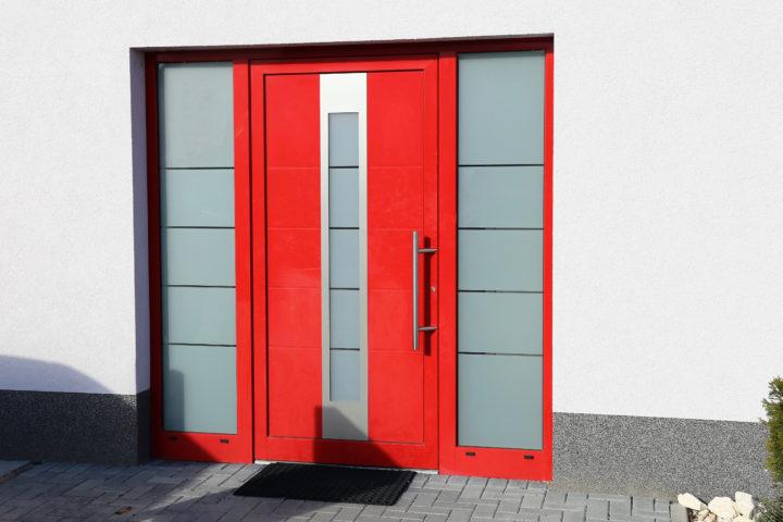 Moderne, rode voordeur