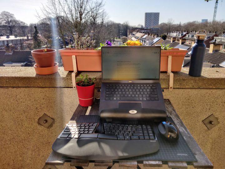 Redigeren op het balkon!